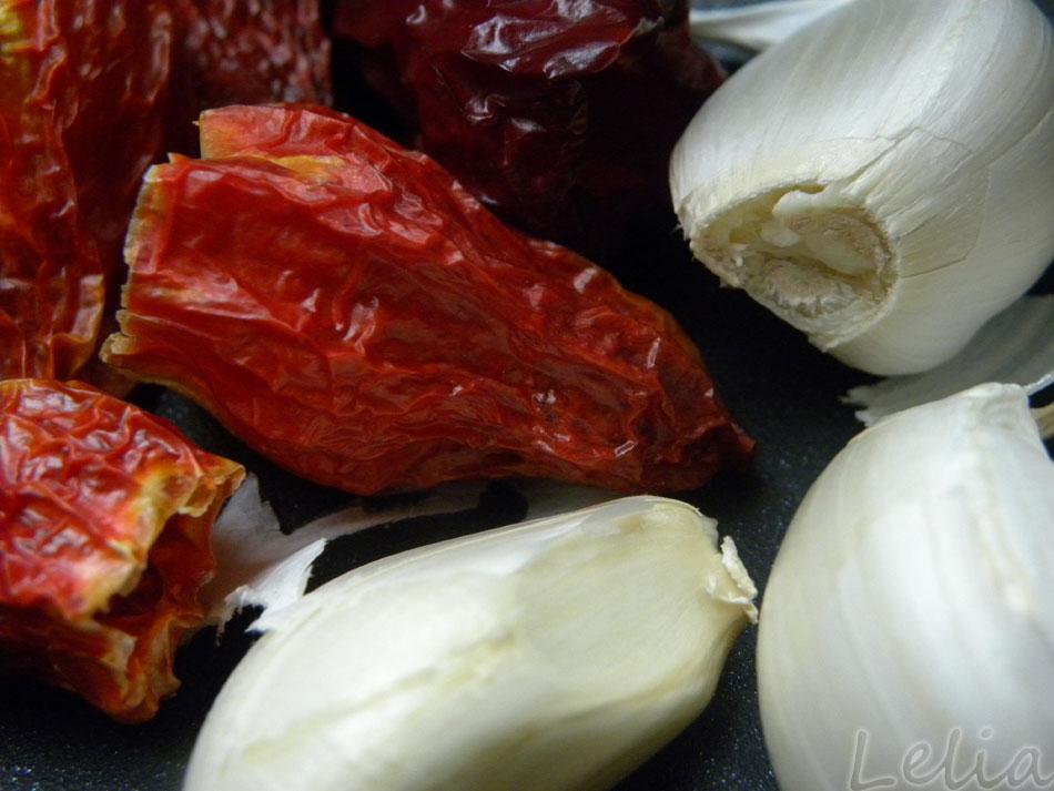 Knoblauch und Chili