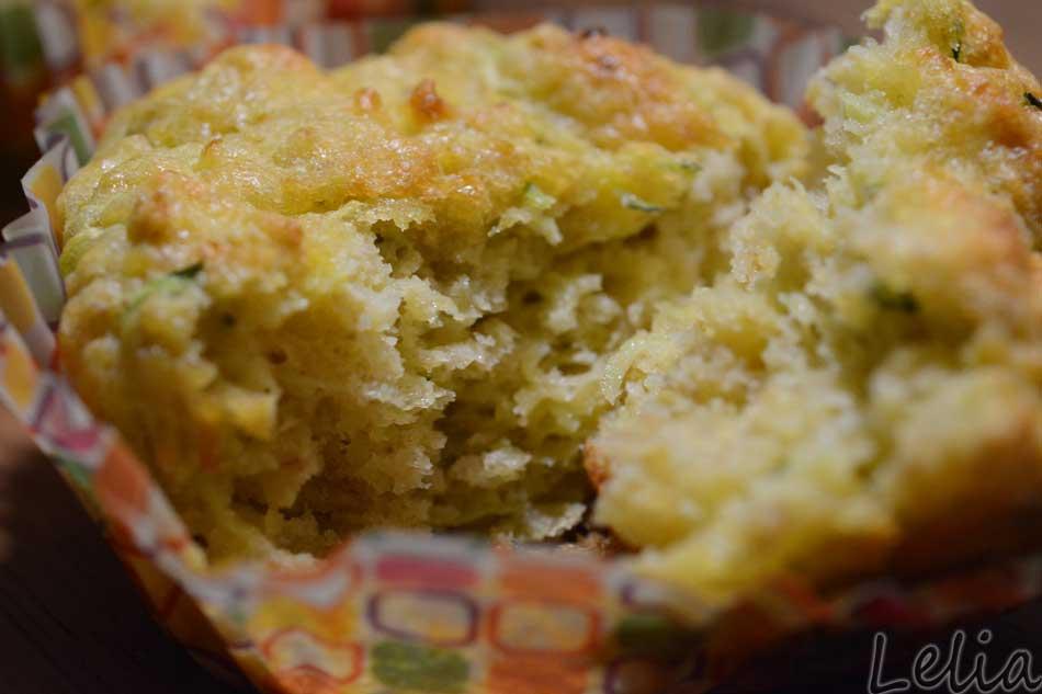 Zucchini-Käse-Haferflocken-Muffins