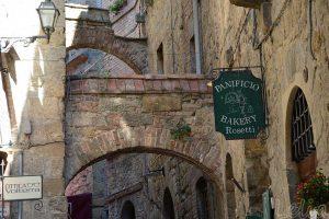 Alte Gasse in Volterra