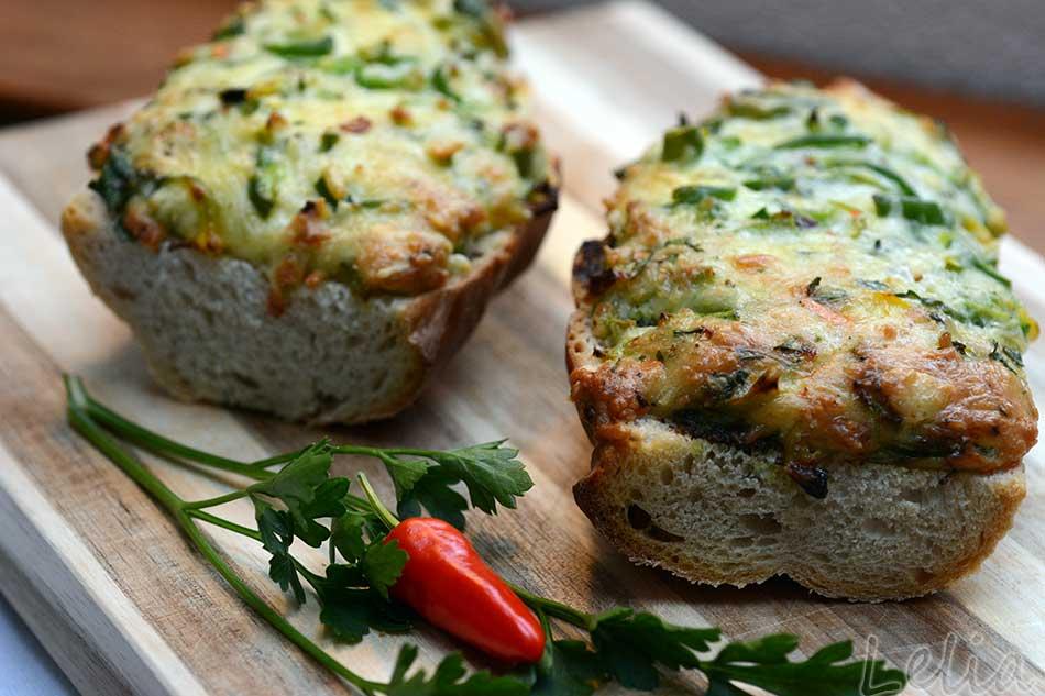 Sonntags-Frühstücks-Paprika-Toast