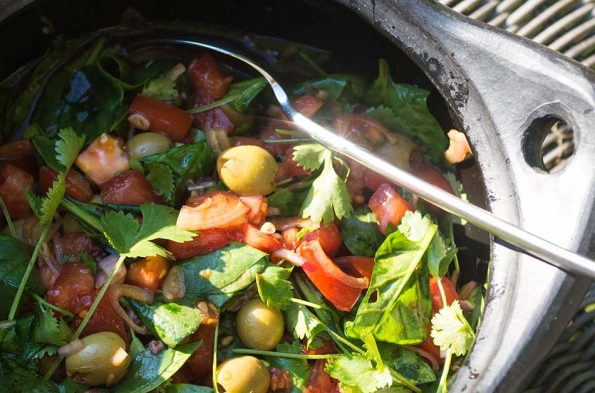 Mediterran-asiatischer Tomatensalat