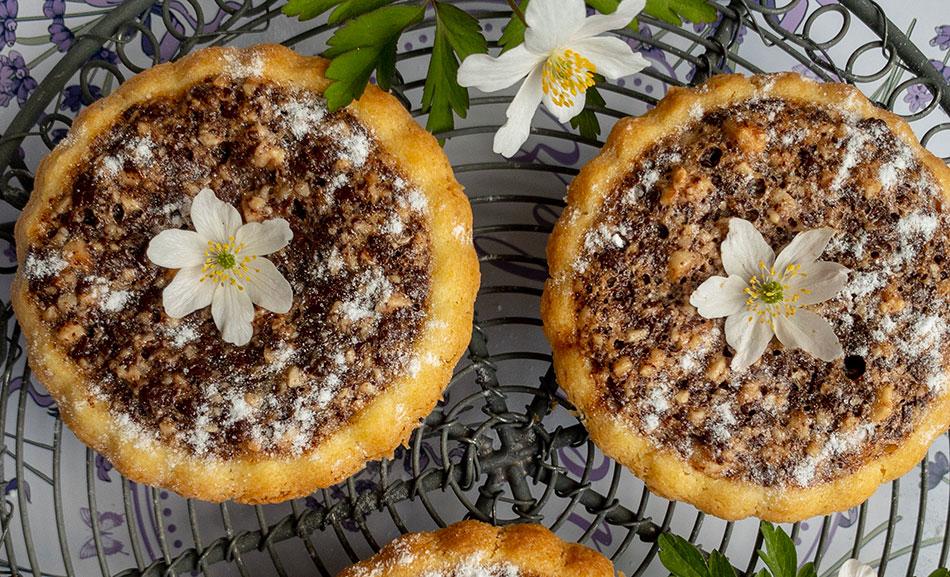 Tarte Variationen: Tartelettes mit Schoko-Nuss-Füllung und Buttermilchfüllung
