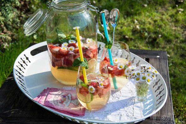 Erdbeer-Limettenbowle mit Limoncello