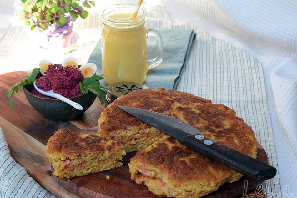 """""""Bannock Bread"""", Pfannenbrot aus Schottland, dazu Rote Rüben Hummus und goldene Milch"""